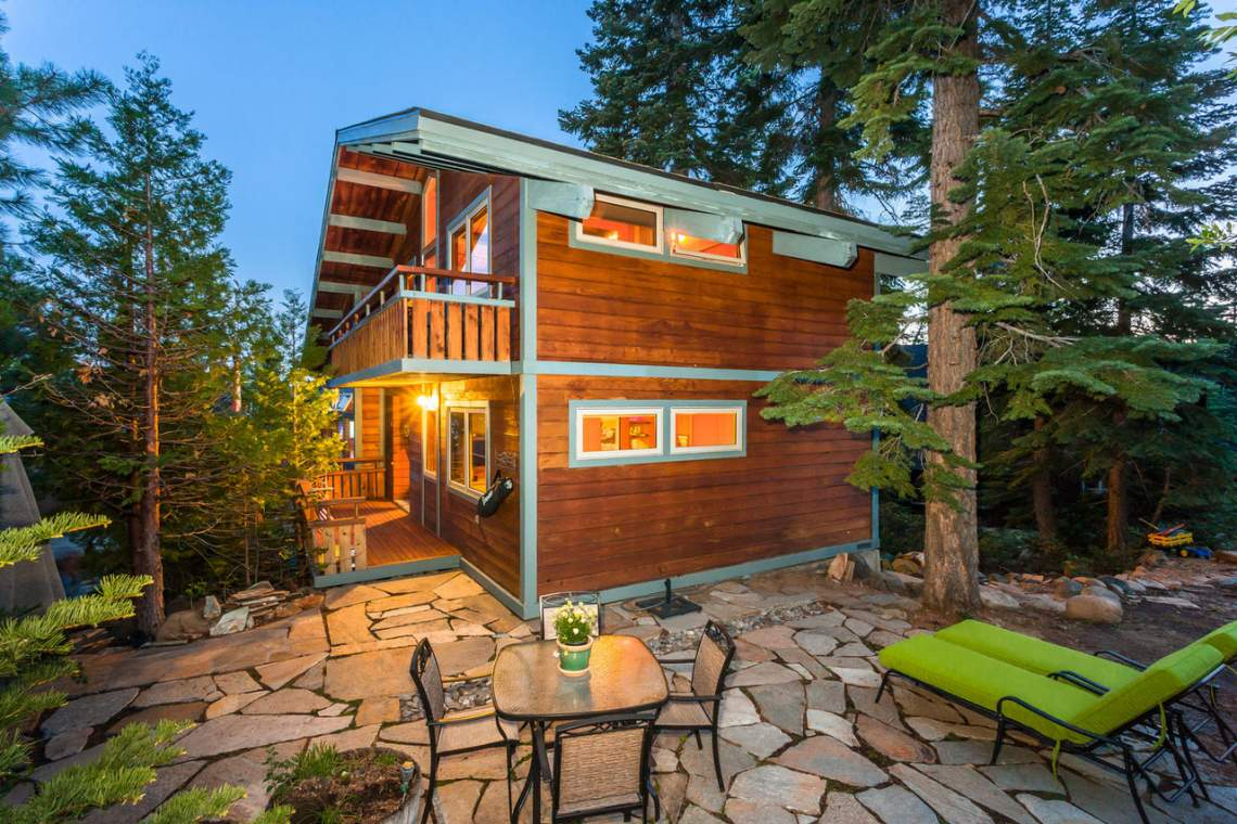 73-Trinity-Ct-tahoe-city-CA-large-003-30-Exterior-Back-1500x1000-72dpi