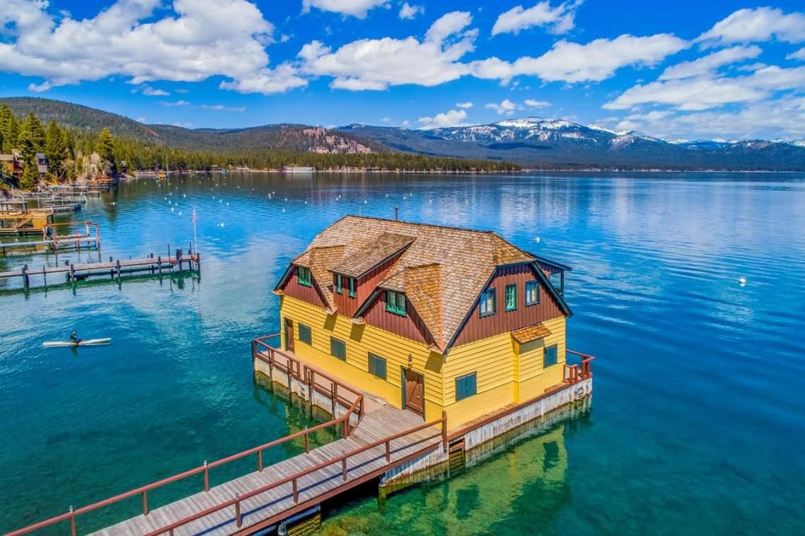 Lakefronts-neighborhoods